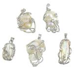 Süßwasserperlen Anhänger, kultivierte Süßwasser kernhaltige Perlen, mit Strass & Messing, Klumpen, natürlich, mit Strass, weiß, 12.8-21x23.8-30.5x6.5-11.2mm, Bohrung:ca. 4x5mm, 10PCs/Menge, verkauft von Menge