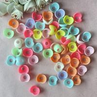 Acryl Perlkappen, Blume, Volltonfarbe, gemischte Farben, 15mm, Bohrung:ca. 1mm, ca. 1350PCs/Tasche, verkauft von Tasche