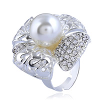 Zinklegierung Open -Finger-Ring, mit Kunststoff Perlen, Blume, Platinfarbe platiniert, für Frau & mit Strass, frei von Nickel, Blei & Kadmium, 34mm, Größe:6-9, verkauft von PC